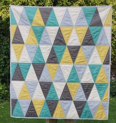 Simply Solids triangle solids quilt by Julie of Mack & Mabel. Free tutorial