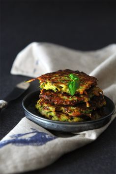 What Should I Eat For Breakfast Today ? Zucchini pancakes