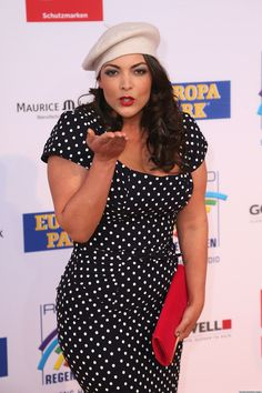 Just came across this cute pic of Caro Emerald wearing our dress at an event back in April. I know it's not but, who cares. She looks awesome and we love her! Pin Up Outfits, Pin Up Dresses, Curves And Confidence, 50s Glamour, Vintage Dresses, Celebrity Style, Plus Fashion, Fashion Black, Fashion Ideas