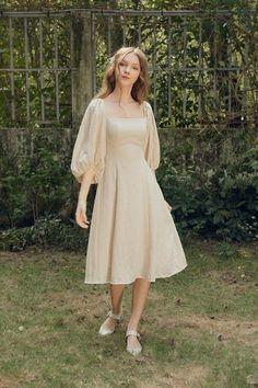 Lovely Dresses, Day Dresses, Vintage Dresses, Modest Fashion Hijab, Fashion Dresses, Civil Wedding Dresses, Dolly Dress, Iranian Women Fashion, Sunday Dress