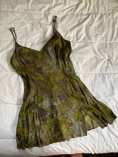 Green slip just tried on store for a while. No flaws. Cute Casual Outfits, Pretty Outfits, Pretty Dresses, Hippie Outfits, Facon, Looks Cool, Clothing Items, Aesthetic Clothes, Ideias Fashion