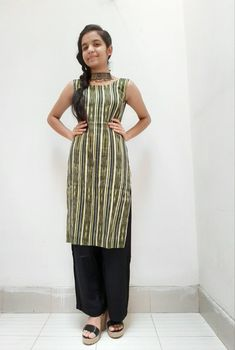 How to style a kurta/kurti? Cute Girl Dresses, Stylish Dresses For Girls, Stylish Girl Pic, Dresses For Work, Simple Outfits, Casual Outfits, Black Lehenga, Little Girl Models, Desi Girl Image