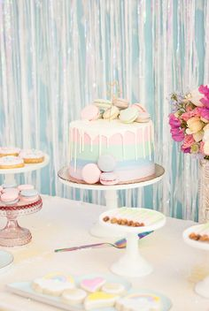 Pastel party inspiration / planning by A Charming Fete, photo by Sweet Magnolia Photo Pastell Party Birthday Party Desserts, 1st Birthday Parties, Girl Birthday, 1st Birthday Girl Party Ideas, Colorful Birthday Party, Rainbow Party Decorations, Rainbow Parties, Pastell Party, Ciel Pastel