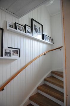 House entrance interior entryway stairways ideas for 2019 Cottage Stairs, Fishermans Cottage, Swedish House, Cabin Interiors, House Entrance, Inspired Homes, Stairways, Interior Design Living Room, Interior And Exterior