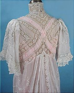 Belle époque, Detail View, Back of Lace Tea Dress