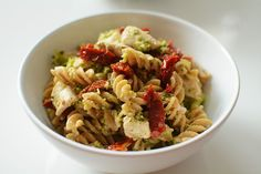 Fit makaron z brokułami, kurczakiem i suszonymi pomidorami Pasta Salad, Spices, Food And Drink, Healthy Eating, Vegetables, Ethnic Recipes, Sweet, Fitness, Blog