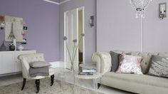 Aby salon nabrał elegancji i romantycznego klimatu, poszukaj inspiracji w tym zestawieniu kolorystycznym z odcieniami fioletu w roli głównej: