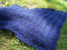Ravelry: Innocent Pleasure pattern by Iglinz Crafts, 10 ply, As it is far too hot to wear a shawl, I am offering this pattern for free until the beginning of fall - September 23rd:-)