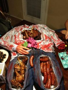 This is how you serve food for walking dead party!