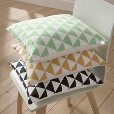 Id d co on pinterest canape salon bureaus and marie claire - Housse de coussin canape d angle ...