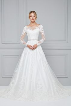 Long Sleeve Wedding Dresses are composed of different arm lengths. – About Wedding Dresses Wedding Dress Sleeves, Long Sleeve Wedding, Dream Wedding Dresses, Satin Bridesmaid Dresses, Bridal Dresses, Bridal Gown Styles, Ceremony Dresses, Wedding Dress Accessories, Fashion Accessories