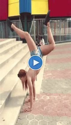 Pin Image by Memes Laughes Funny Videos, Funny Animal Videos, Funny Comedy, Funny Jokes, Hilarious, Funny Tweets, Funny Fails, Merci Gif, Belly Dance Makeup