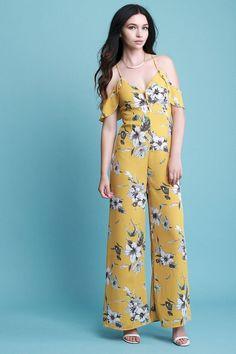 Adorable 39 Best Ideas Floral Jumpsuits Outfit that You Must Try #Best #Floral #Ideas #Jumpsuit #Outfit