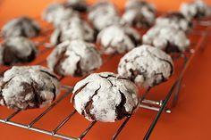 Chocolate Crinkles - Taste and Tell