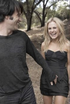 Love these two: Stephen Moyer and his lovely little wifey, Anna Paquin :)