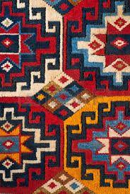 kilim, a beautiful and colored turkish kilim - Carpets Mag Persian Carpet, Persian Rug, Tapete Floral, Persian Pattern, Turkish Art, Carpet Trends, Braided Rugs, Carpet Design, Kilims