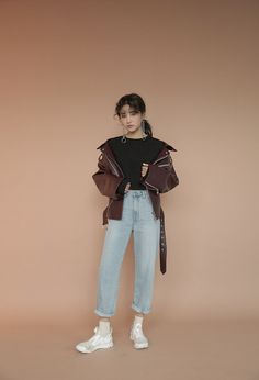 Cropped Extended Sleeve T-Shirt