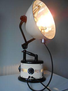 Bakeliet en metalen industriële vintage retro lamp van Hanau - 1930