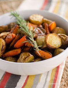 Rosemary Roasted Potatoes, Carrots and Onion | Slimming Eats - Slimming World Recipes