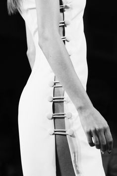 Sleek white dress with open side button detailing; fashion details // Cushnie et Ochs Spring 2016