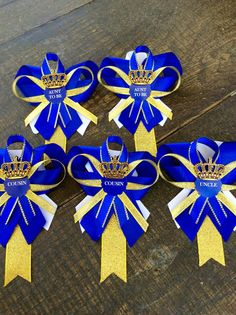 Items similar to 6 Little prince baby shower pins- little prince corsage-royal prince baby shower-royal blue and gold baby shower-aunt to be pin- grandma pin on Etsy Distintivos Baby Shower, Gold Baby Showers, Baby Shower Favors, Baby Shower Parties, Baby Shower Themes, Shower Ideas, Royalty Baby Shower, Baby Shower Princess, Birthday Pins