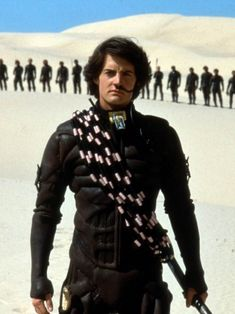 Denis Villeneuve's Dune Movie Could Be a Sci-Fi Masterpiece a Generation in the Making It's the most famous sci-fi novel of all time. And it's considered impossible to adapt into a film. Dune The Movie, Dune Film, Patrick Stewart, Alfred Hitchcock, Dune Der Wüstenplanet, Science Fiction, Paul Atreides, Dune, Love