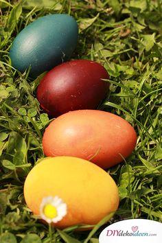 DIY Bastelidee zu Ostern - Ostereier färben mit Naturfarben