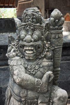"""Le Tanah Lot est un îlot d'Indonésie situé sur l'île de Bali et sur lequel est construit un temple hindouiste : le Pura Tanah Lot (""""Le temple du Tanah Lot""""). C'est un lieu de pèlerinage et un endro..."""