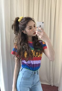 Ulzzang Girls uploaded by ✿𝐑𝐨𝐰𝐞𝐧𝐚 𝐑𝐚𝐯𝐞𝐧𝐜𝐥𝐚𝐰✿ on We Heart It Style Outfits, Hipster Outfits, Korean Outfits, Cute Outfits, Fashion Outfits, Korean Ootd, Korean Clothes, Korean Ulzzang, Fashion Hair