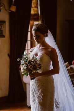 Bride in Heirloom Veil   Image: Lad & Lass Photography