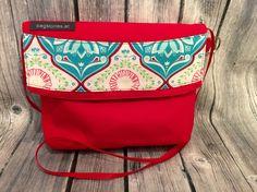 Tasche in tollem rot! Die fällt garantiert auf  www.bagstories.at