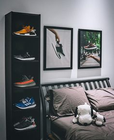 Sneakers greatly benefit from shoe trees related to care, preservation, display and travel. Sole Trees makes premium shoe trees for sneakers Men's Bedroom Design, Bedroom Setup, Room Ideas Bedroom, Bedroom Wall, Bedroom Decor, Men Bedroom, Hypebeast Room, Mens Room Decor, Room Goals