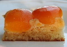 Looking for apricot desserts? This Apricot Dessert Cake is one of the easiest cake recipes you will ever come across. Juicy, sweet and unbelievably tasty. Dessert Cake Recipes, Pie Dessert, Eat Dessert First, Easy Cake Recipes, Dessert Ideas, Apricot Dessert, Apricot Cake, Bakers Sweets, Apricot Recipes
