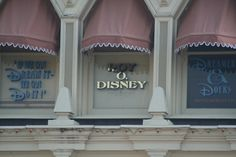 Did you know the windows of Main Street, U.S.A serve as the credits for each  Disney park? Click to learn more.