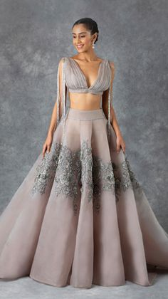 Dress Indian Style, Indian Fashion Dresses, Indian Designer Outfits, Indian Wedding Gowns, Indian Bridal Outfits, Lengha Blouse Designs, Designer Party Wear Dresses, Saree Trends, Indian Attire
