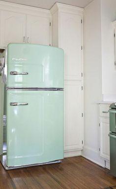 Big Chill retro fridge Mint