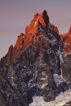 ✯ Aiguille Noire de Peuterey - Italy
