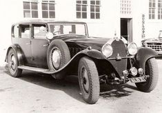1927 Bugatti Type 41 Royale Coupe Napoleon with family driver Bugatti was founded in in 1909 in Molsheim, France by Ettore Bugatti an Italian imigrant. Vintage Cars, Antique Cars, Bugatti Royale, Bugatti Cars, Car Restoration, Automotive Art, Car Ins, Car Show, 1930s