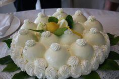 La delizia al limone, una delle torte più conosciute e deliziose del patrimonio culinario campano: ecco la ricetta