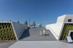 Donaupark-05-Freitreppe_Lichtschwaermer « Landscape Architecture Works | Landezine