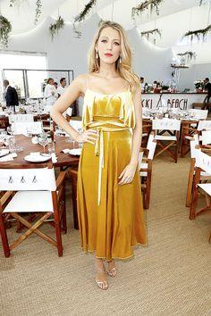 Más looks de Blake Lively y Kristen Stewart de mesa en mesa en el Festival de Cannes #Cannes2016 » Fashionisima
