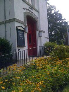 First Presbyterian Church . . . credit:  https://www.facebook.com/photo.php?fbid=521643701238941=a.521643687905609.1073741827.176661939070454=1