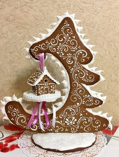 This is an amazing piece of Gingerbread art! This is an amazing piece of Gingerbread art!