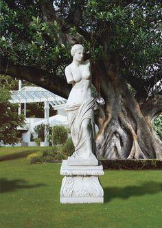 "Venere Di Milo (Venus De Milo) #500 - 275 lbs. - 51.2"" tall - 13.4"" L - 15.7"" W - Garden Statuary"