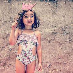 Beach-Prinzessin: Toller Badeanzug für Mädchen!