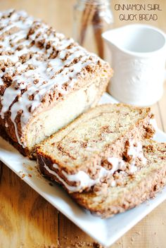 This sweet bread recipe combines the delicious flavor of cinnamon swirl bread with the moist consistency of a cake. Cinnamon Swirl Quick Bread is a quick bread recipe, which means that you don't have to deal with the drama of using yeast. Quick Bread Recipes, Sweet Recipes, Loaf Recipes, Köstliche Desserts, Dessert Recipes, Cinnamon Desserts, Cinnamon Recipes, Cinnamon Bread, Cinnamon Crumble