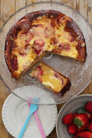 As Minhas Receitas: Bolo de Cheesecakede Morango - Strawberry Cheesecake :)