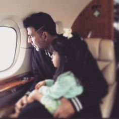 Awww! You have to see this cute picture of Akshay Kumar & daughter Nitara?!   PINKVILLA