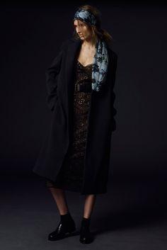 Vera Wang Resort 2015 Fashion Show - Manuela Frey
