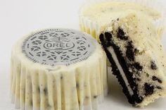 """These amazing """"Oreo Cookies and Cream Cheesecakes"""" were made by Grace over at """"Grace's Sweet Life"""" so you can get her recipe HERE. You may also love … Chocolate Chip Cookie n' Oreo Brownie Bars All-Chocolate Brownie Ice Cream Cake Oreo Cookie Pancakes Oreo Cheesecake Cupcakes, Cookies And Cream Cheesecake, Oreo Cookies, Cheesecake Recipes, Cupcake Recipes, Cupcake Cakes, Dessert Recipes, Oreo Cake, Oreo Truffles"""